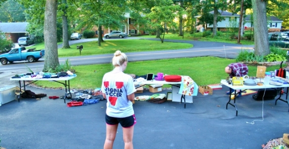 yard-sale-tip-and-tricks-2013