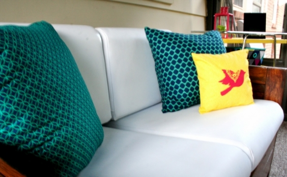 how-to-stencil-a-pillow