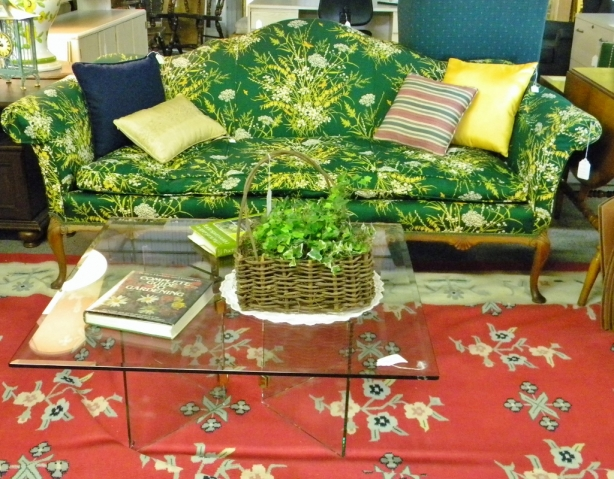 thrift-store-adventures-sofa