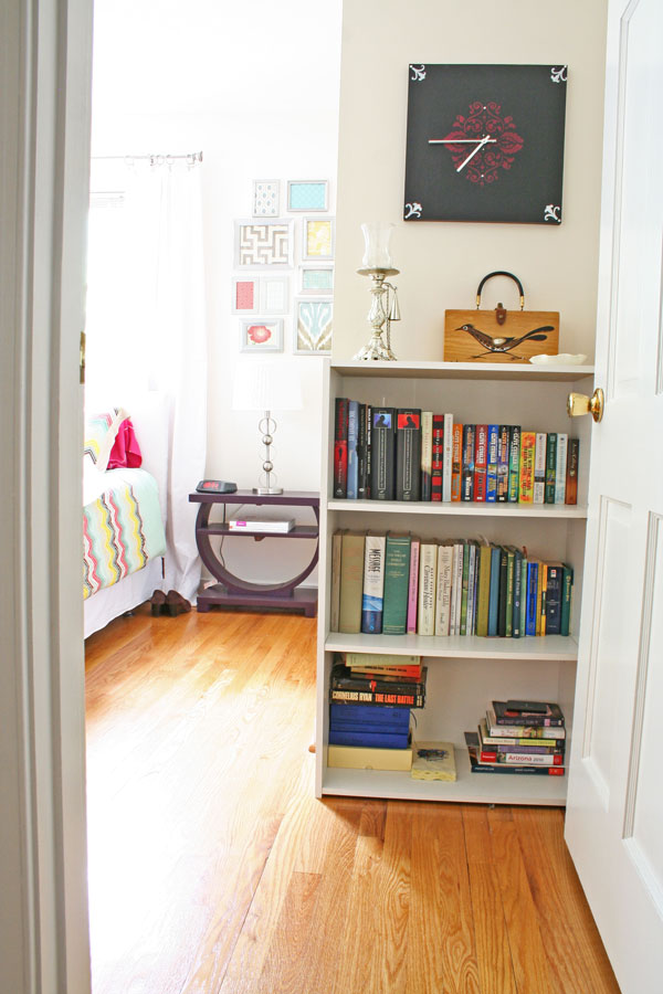 Styling a Bookcase with Memories and Mementos | www.rappsodyinrooms.com