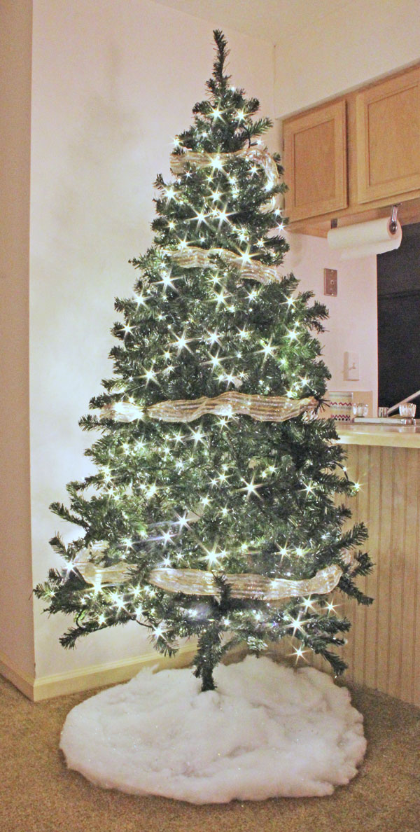 How To Decorate A Loft Living Room Upstairs: How To Light, Ribbon, And Decorate A Christmas Tree