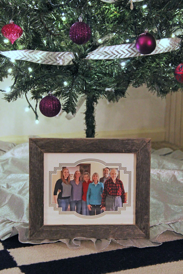 Minted Holiday Photography Gifts | www.rhapsodyinrooms.com